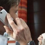 13 sposobów na zmniejszenie promieniowania telefonu komórkowego