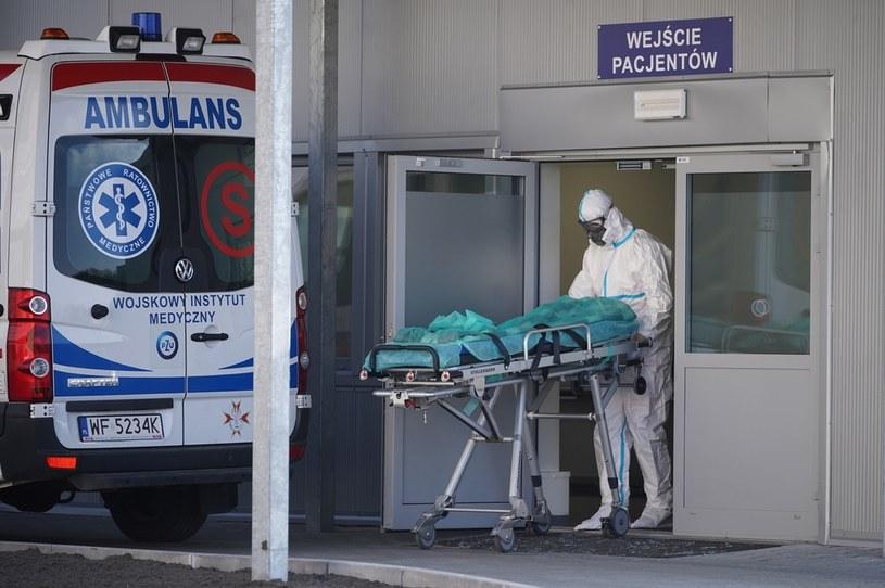 14 chorych na COVID-19 relokowanych do szpitali w innych regionach /Mateusz Wlodarczyk /Agencja FORUM