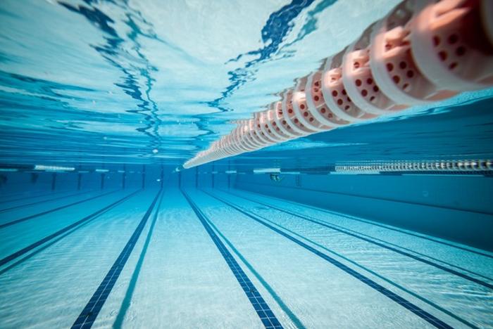 14-latek zmarł na basenie w Rybniku /123RF/PICSEL