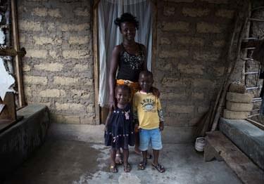 15-letnia Mary opiekuje się rodzeństwem po śmierci rodziców /UNICEF/TANYA BINDRA /