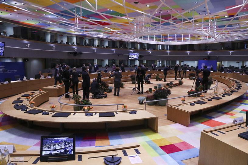 15 października rozpoczął się w Brukseli dwudniowy szczyt UE /YVES HERMAN / POOL /PAP/EPA