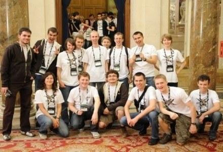 15 studentów z Polski, którzy reprezentowali nasz kraj w zeszłorocznym finale Imagine Cup /INTERIA.PL