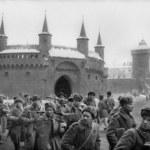 16-latek znieważył pomnik sowieckich żołnierzy. Co na to sąd?
