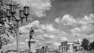 16 listopada 1989 r. Demontaż pomnika Feliksa Dzierżyńskiego