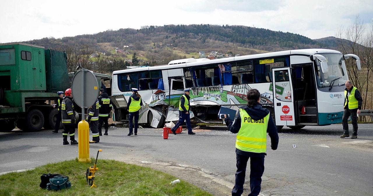 16 osób zostało poszkodowanych w wypadku, do którego doszło w Domaradzu