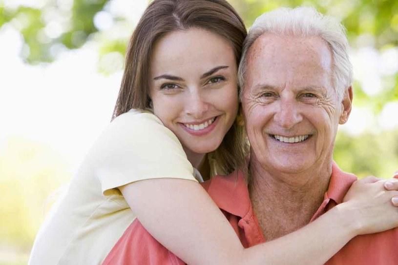 17% Tylko tylu ojców przyznaje, że na etapie wychowania poświęca córce wystarczająco dużo czasu. /123RF/PICSEL