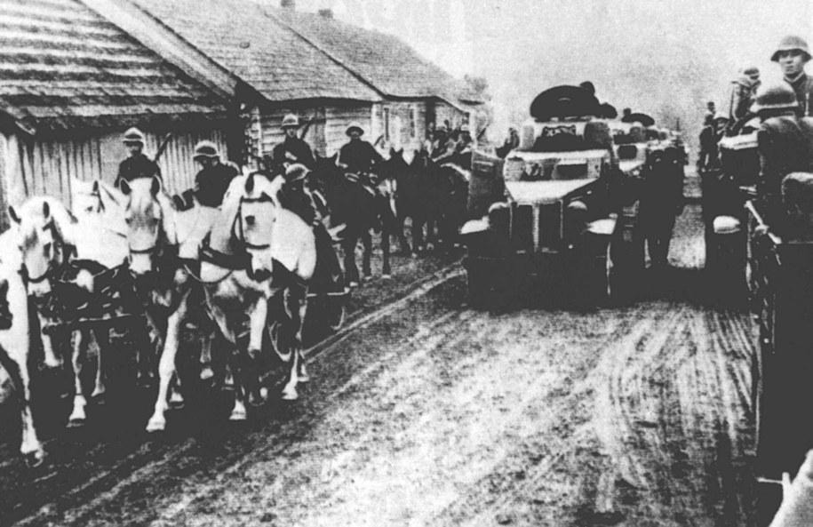 17 września 1939 - wojska ZSRR zajmują wschodnie tereny Polski /CAF/archiwum /PAP