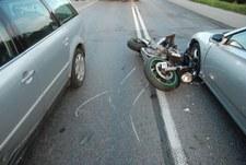 0007M8A0CWLAOHGT-C307 18-latek stracił panowanie nad motocyklem. Zginął