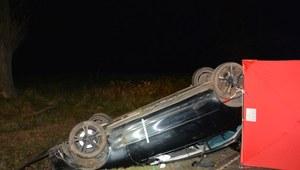 18-latek stracił panowanie nad samochodem. Nie żyje 16-letnia pasażerka