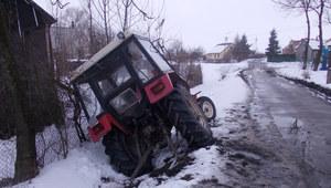 18-latek ukradł ciągnik i wpadł do rowu