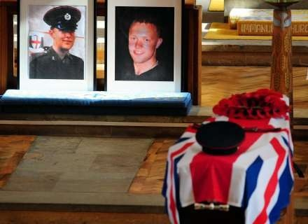 18 marca 2009, pogrzeb sapera Marka Quinsey'ego, który zginał podczas zamachu IRA na brytyjską bazę /AFP