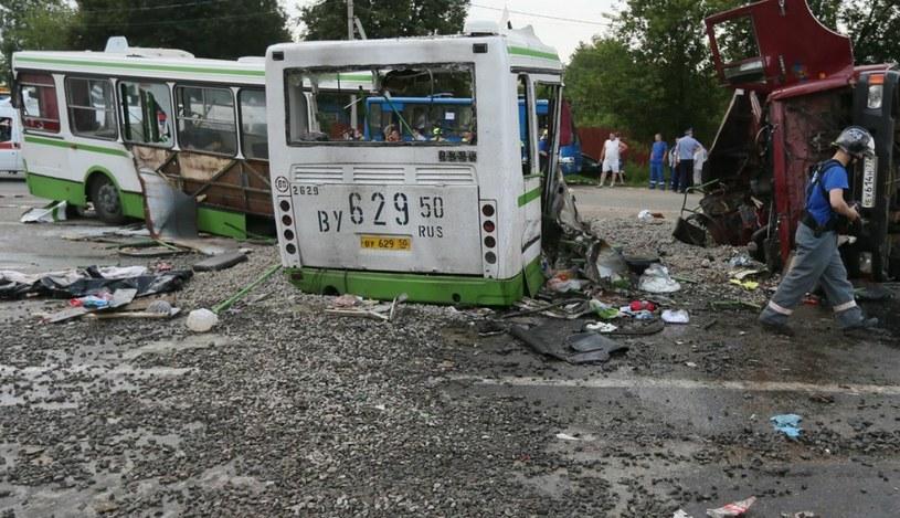 18 osób zginęło w zderzeniu ciężarówki z autobusem w Moskwie /Sergei Ilnitsky /PAP/EPA