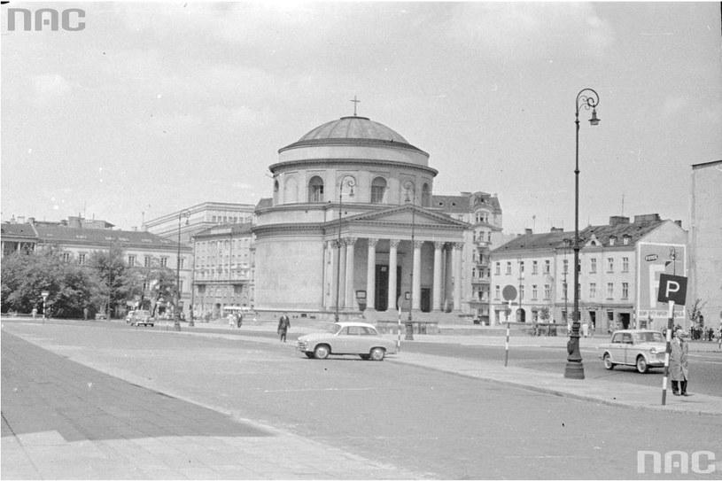 1965 r., Plac Trzech Krzyży w Warszawie. Widok od ul. Mokotowskiej /Rutowska Grażyna /Ze zbiorów Narodowego Archiwum Cyfrowego