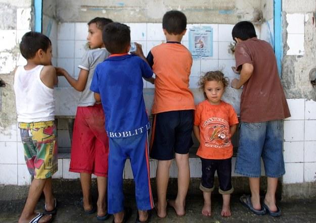 2,2 mln Polaków żyje w skrajnym ubóstwie /AFP