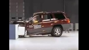 2,7 mln Jeepów (jednak) do naprawy