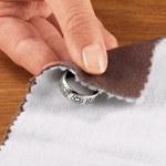 2 domowe sposoby czyszczenia złotej i srebrnej biżuterii