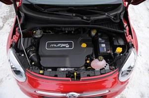 2-litrowy, 140-konny turbodiesel zapewnia autu dobrą dynamikę. Na postoju brzmi nieprzyjemnie. /Motor