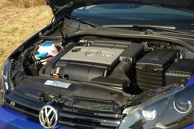 2-litrowy doładowany silnik dysponuje mocą 271 KM /INTERIA.PL