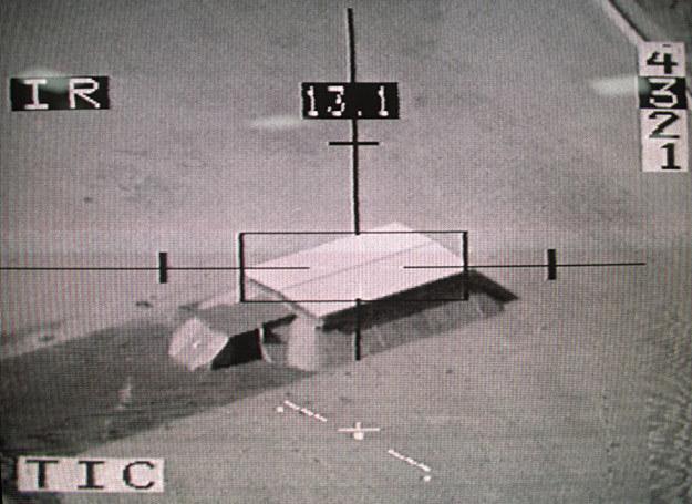 2 lutego 1991 r.: Za chwilę rakieta wystrzelona z francuskiego myśliwca zniszczy ten bunkier /AFP
