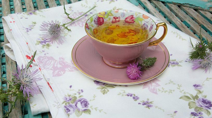 2 łyżeczki zmielonego ostropestu można dodać do herbaty /123RF/PICSEL
