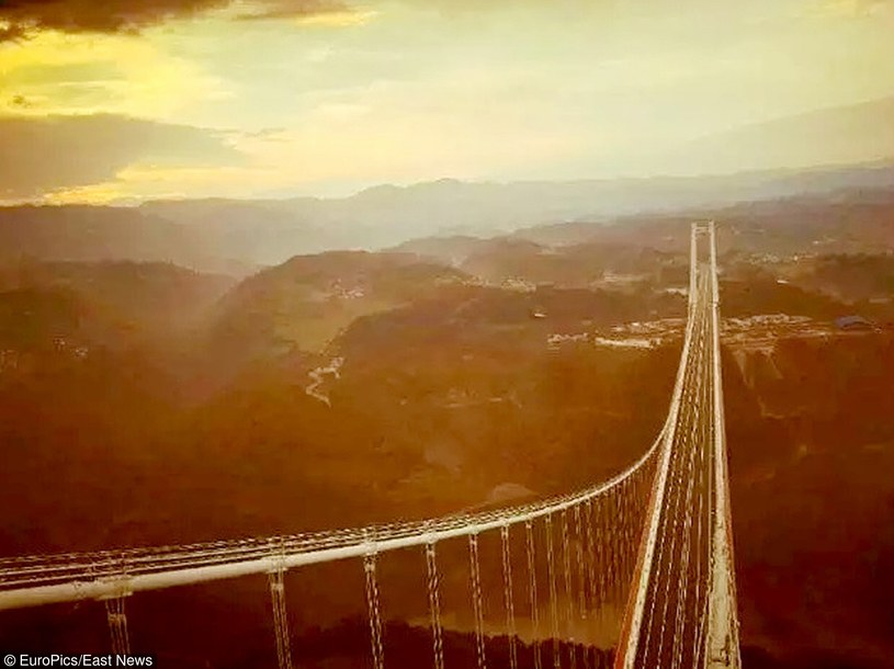 20 kwietnia 2016 roku otwarto najdłuższy i najwyższy most Azji /CEN    /East News
