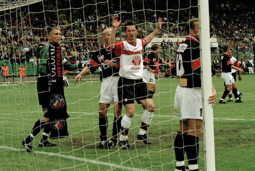 20 maja 2000 roku Polonia rozbiła Legię na jej boisku i została mistrzem Polski /East News