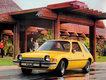 11. AMC Pacer (lata produkcji: 1975-80, kraj: USA) - AMC Pacer jest przykładem, że Amerykanie nie mają zbyt szczęśliwej ręki do tworzenia niewielkich aut. Na tle ówczesnych samochodów z USA, Pacer wyglądał jak statek kosmiczny. Miał 4,36 m długości i aż 1,96 m szerokości. Właśnie dlatego AMC reklamowało go jako pierwszy szeroki mały samochód. Pod maską umieszczono jednostki 6- i 8-cylindrowe (pierwotnie planowano silnik Wankla). Nie były one specjalnie dynamiczne, a jednocześnie dużo paliły.