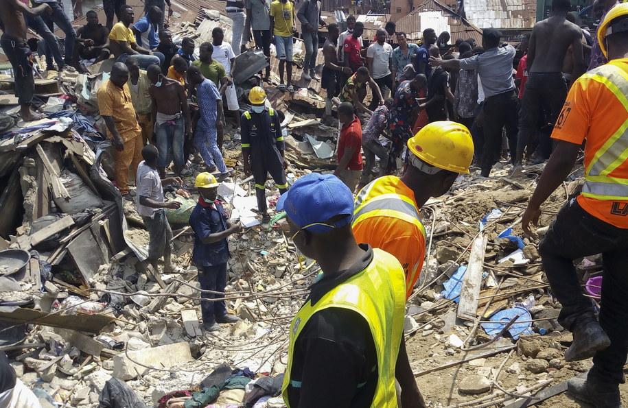 20 osób zginęło w środowej katastrofie budowlanej w mieście Lagos w Nigerii /ISRAEL OPHORI /PAP