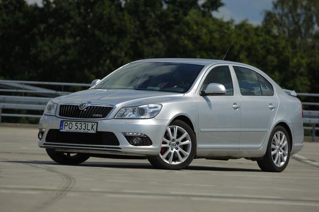2009-2012. RS po liftingu jak na razie jest na naszym rynku towarem deficytowym. /Motor