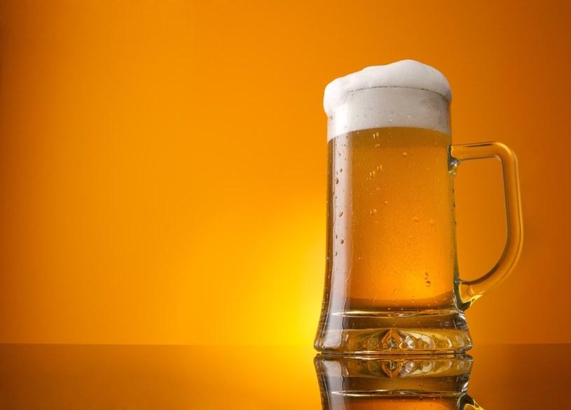 2020 rok przyniósł najniższe obroty niemieckich producentów piwa od 28 lat /123RF/PICSEL
