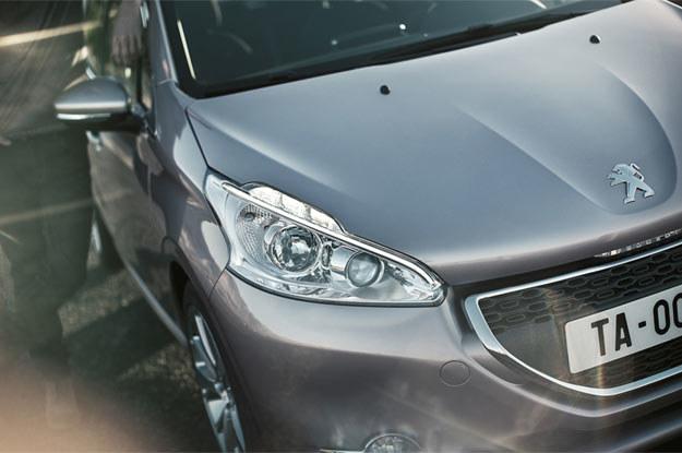 208 będzie pojazdem lekkim (waży średnio o 110 kg mniej niż peugeot 207) /
