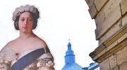 220 funtów za... pończochy królowej Wiktorii. Sprzedano je na aukcji
