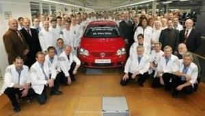 23 marca 2007 r. z taśmy montażowej fabryki w Wolfsburgu zjechał 25-milionowy egzemplarz VW Golfa. /Volkswagen