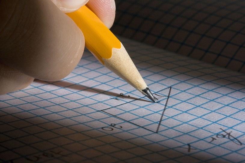 24 kwietnia gimnazjaliści pisali egzamin z części matematyczno-przyrodniczej /123RF/PICSEL