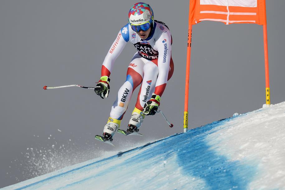 24-letni szwajcarski alpejczyk Gian Luca Barandun zginął w wypadku na paralotni /JEAN-CHRISTOPHE BOTT /PAP/EPA