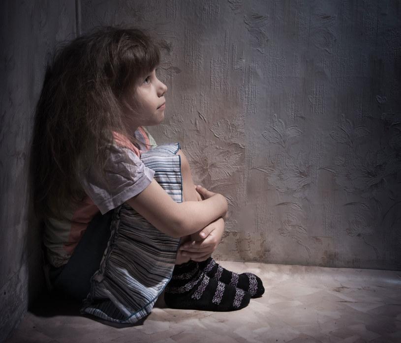 25 proc. dziewcząt w wieku 15-19 było ofiarami przemocy przed ukończeniem 15. roku życia. /123RF/PICSEL