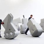 """25-tonowe betonowe bloki, które """"chodzą"""" razem z tobą"""