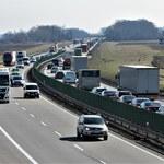 25 zabitych i pół tysiąca rannych, tysiąc pijanych za kółkiem… To długi weekend na polskich drogach