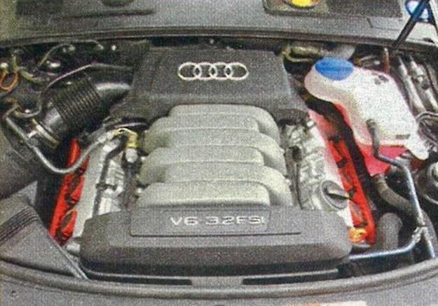 255-konny, 3,2-litrowy silnik z bezpośrednim wtryskiem paliwa jest wystarczająco mocny, nie ma przy tym specjalnego apetytu na paliwo. /Motor