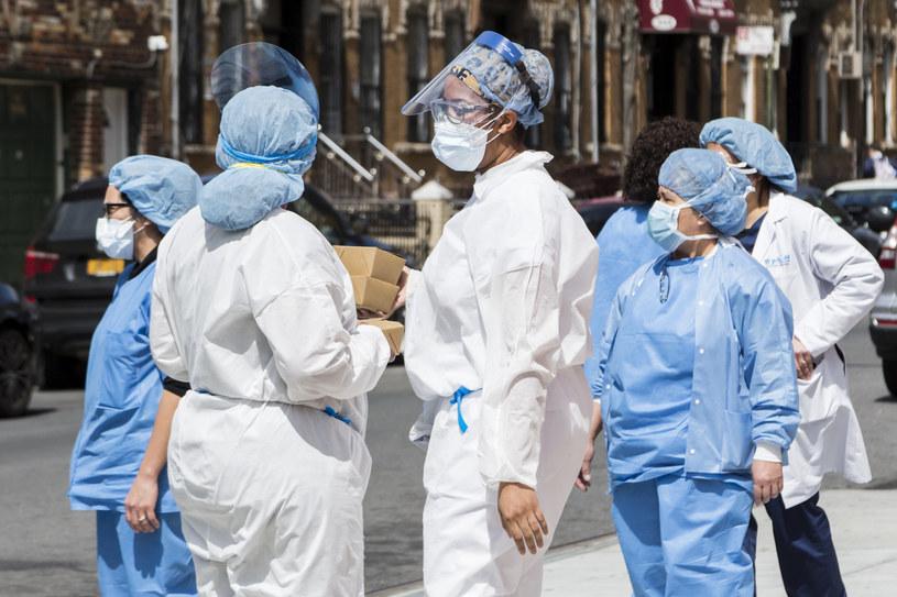 2569 nowych zgonów na COVID-19 w USA /Pablo Monsalve / VIEWpress /Getty Images
