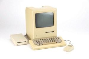 27-letni Macintosh podłączony do internetu wciąż działa!