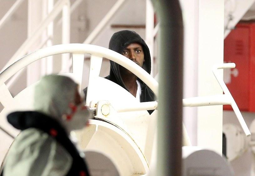 27 ocalałych z tragedii na Morzu Śródziemnym /ALESSANDRO DI MEO    /PAP/EPA