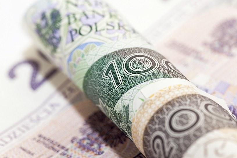 2800 zł ma wynosić minimalne wynagrodzenie w 2021 r. /123RF/PICSEL