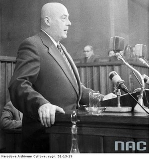 29 czerwca 1956 r. Cyrankiewicz: Każdemu, kto podniesie rękę na władzę, władza tę rękę odrąbie