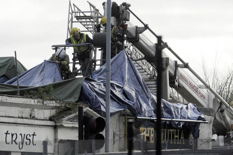 29 listopada wynajęty przez szkocką policję śmigłowiec Bond Aviation runął na pub w Glasgow /AFP