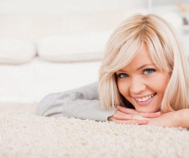 3 domowe sposoby na czysty dywan
