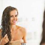3 domowe sposoby na wypadanie włosów z użyciem cebuli