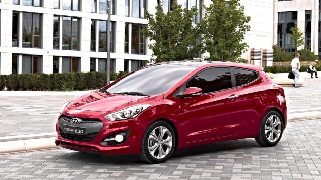 3-drzwiowy Hyundai i30 zadebiutuje podczas salonu samochodowego w Paryżu. /Hyundai