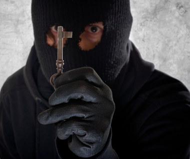 3 sposoby na ukrycie zapasowego klucza