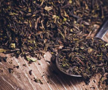 3 sposoby wykorzystania herbaty w sprzątaniu